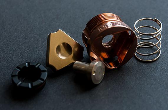Ironsmith - механический мод от одноименной компании, просто и практично