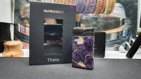 Ultroner Theia Pod - традиционно деревянный экземпляр с двумя АКБ...