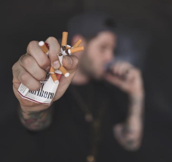 Доказано! Курильщики, которые перешли на электронный пар, меньше склонны к рецидивам возрата к курению