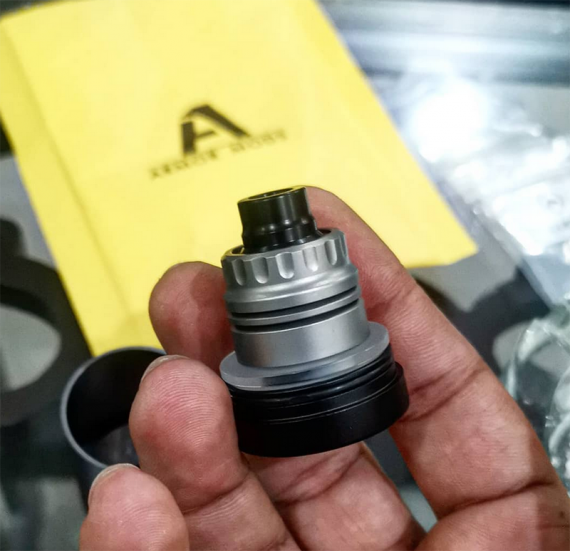 Hot new from ARMOR Mods.  Again drip atomizer, Armor S RDA