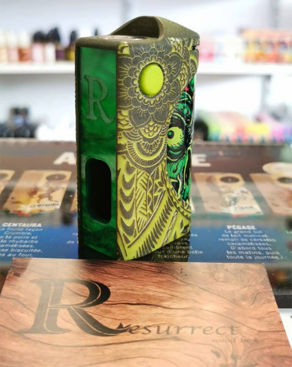 Resurrect Box - the French again want to surprise us with their squonkers