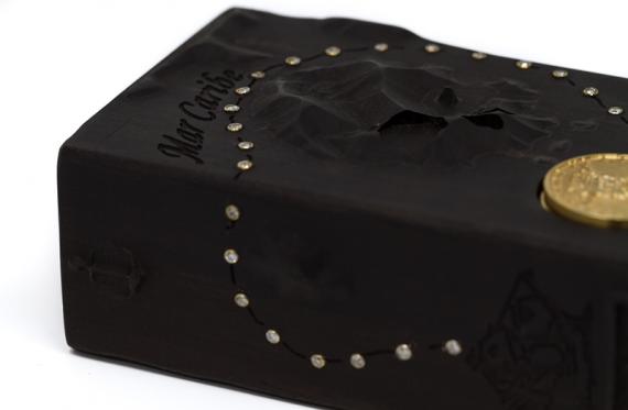 Barbanera или Чёрная борода мод от компании History Mod, в золоте с фианитами и цирконием